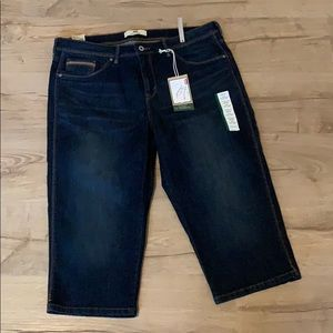 Levi's Perfectly Shaping 512 Jean Capris NWT
